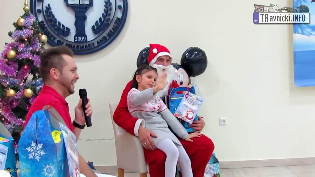 Medical Centar Travnik: Novogodišnji paketići za najmlađe pacijente
